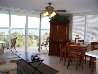 DESTIN WEST-Bayside corner-1BR+Bunk Room, 2 Baths - Destin vacation rentals