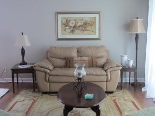 Beautiful House with Internet Access and A/C - Oakville vacation rentals