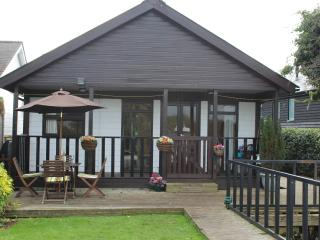Thistledew, Brundall, Norfolk Broads - Brundall vacation rentals