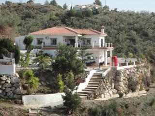 Stunning 4 bed villa with mountain views - Vinuela vacation rentals