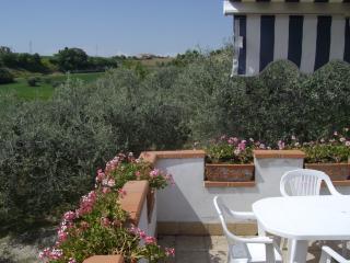 Appartamento per 4 persone, 4 km dal mare - Massignano vacation rentals