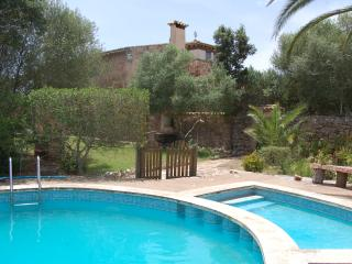 Perfect 4 bedroom Porreres House with Internet Access - Porreres vacation rentals