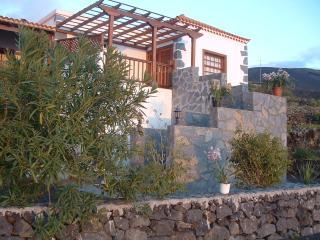 Casa las Viñas, con vistas al mar, y los Volcanes - Fuencaliente de la Palma vacation rentals