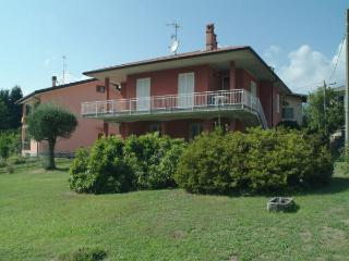 2 bedroom Villa with Internet Access in Castelveccana - Castelveccana vacation rentals