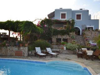 Charming 5 bedroom Villa in Glinado - Glinado vacation rentals