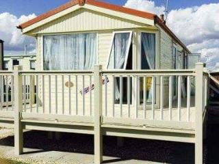 COASTFIELDS HOLIDAY VILLAGE 1 - 8 BERTH CARAVAN WITH VERANDA - Ingoldmells vacation rentals