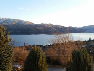 Peachland Spectacular Lake Views - Peachland vacation rentals