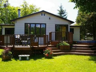 WATERFRONT PROPERTY - TRENT SEVERN WATERWAY - Peterborough vacation rentals