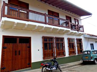 New Apt. In the Heart of Coffee Town - Jardin vacation rentals