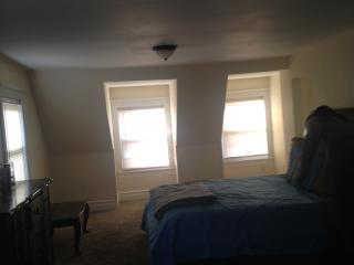 Oversized Master Suite only minutes from NYC!!! - East Orange vacation rentals