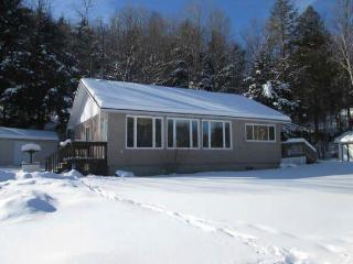 Fall/Christmas Vacation Cottage with Guest House - Val-des-Monts vacation rentals