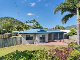 5 bedroom House with Internet Access in Trinity Beach - Trinity Beach vacation rentals