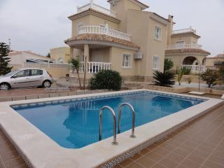Detached villa with private pool - La Marina vacation rentals