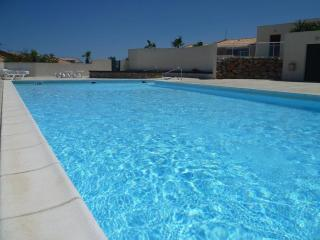 Modern Mediterranean 3 bedroom Villa 2 shared pool - Fitou vacation rentals