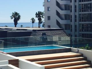 Bantry Bay sea view, modern, pool and serviced - Bantry Bay vacation rentals