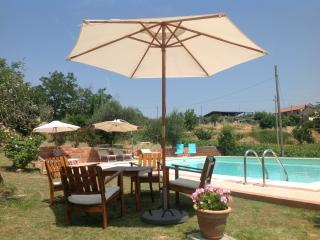 Cozy 2 bedroom Condo in Montebello di Bertona with Deck - Montebello di Bertona vacation rentals