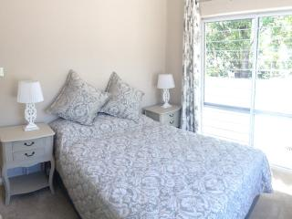 Nice Condo with High Chair and Toaster - Vredehoek vacation rentals