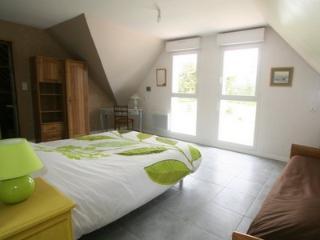 La Trémaillerie  Chambre du préssoir - Blainville-sur-Mer vacation rentals