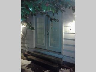 Charming 1 bedroom Condo in Uniondale - Uniondale vacation rentals