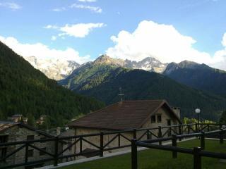 Bifocale arredato per vacanze in montagna - Ponte Di Legno vacation rentals