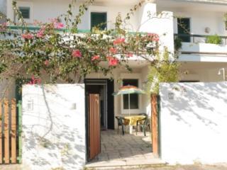 Villetta con giardino Arco dei Garofani - Baia Verde vacation rentals