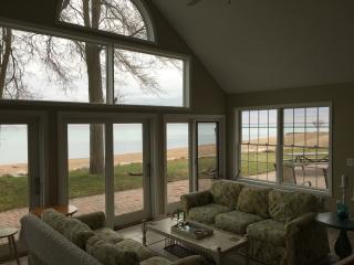 Lakefront Lake Huron S of Lexington MI Lakeport - Lexington vacation rentals