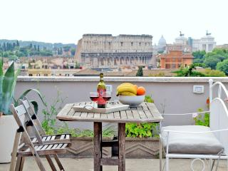 ROME COLOSSEUM RENTAL WITH TERRACE STUNNING VIEW - Rome vacation rentals