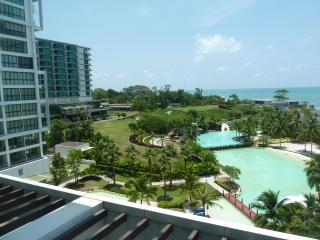 Beach front view apart in Marriott hotel - Klaeng vacation rentals