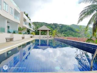 Sea view 3-storey townhome - Kata vacation rentals