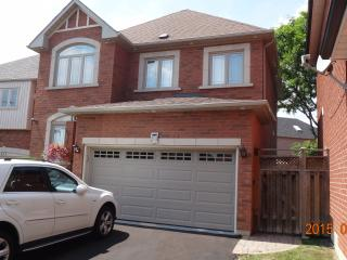 Beautiful Large Home 3 Bedroom + 2.5 Bathrooms - Mississauga vacation rentals