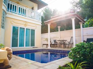 Villa Angelina Pattaya, 15 steps to Jomtien Beach - Jomtien Beach vacation rentals