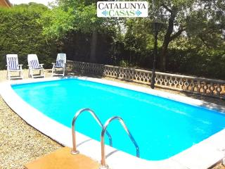 Cozy rural villa in Arbrells for 6 guests,  just 25km from Barcelona! - Castellar del Valles vacation rentals