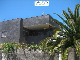 Five-bedroom villa in Can Vinyals, nestled in the hills between Barcelona and Girona - Sentmenat vacation rentals