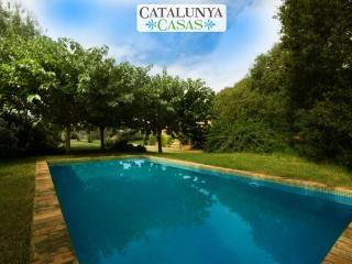 Cozy Villa Espinada for 6 guests, tucked away in the Catalonian countryside - Espinavessa vacation rentals