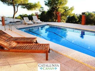 Coastal villa in Castellet, 6km from Costa Dorada beaches - L'Arboc vacation rentals
