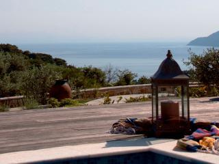 Lovely 2 bedroom Alonnisos Town Villa with Internet Access - Alonnisos Town vacation rentals