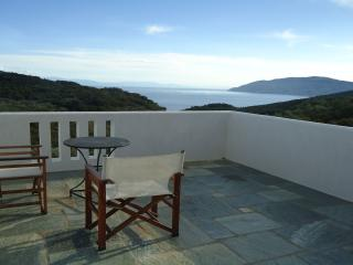 Lovely 2 bedroom Alonnisos Villa with Internet Access - Alonnisos vacation rentals