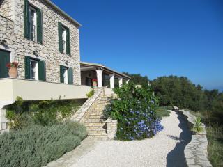 Wonderful 3 bedroom Villa in Kassiopi - Kassiopi vacation rentals