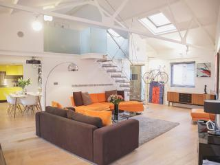 """Superb"" Large 2 Bed Loft Apartment - Bristol vacation rentals"