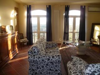 Appartamento con vista panoramica delle colline to - Soiana vacation rentals