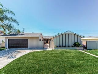 Huge Pool Home in Anaheim Close to Disney and More - Anaheim vacation rentals
