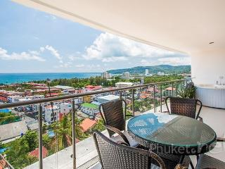 Comfortable Condo with Private Outdoor Pool and Fitness Room - Karon vacation rentals
