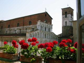angel 2, sleeps 8 - Lucca vacation rentals