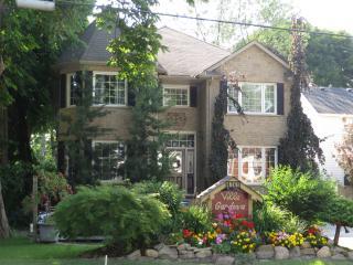 VILLA GARDENIA BED & BREAKFAST - Niagara Falls vacation rentals