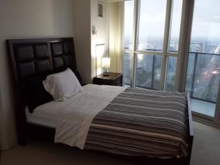 2BD LOWER PENT HOUSE CONDO PRIME LOCATION SQUARE 1 - Mississauga vacation rentals