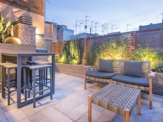 2 Bedrooms Apartment with 2 Balconies - Gracia - Barcelona vacation rentals