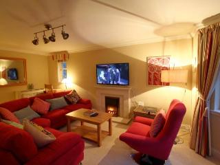 Riverside Apartment in Bridge of Allan Stirling. - Bridge of Allan vacation rentals