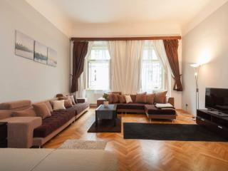 1 BDR Apartment Old Town 2MINS to OLD TOWN SQUARE - Prague vacation rentals