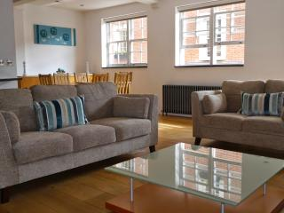 3 BR - Grosvenor, Victoria / Belgravia - London vacation rentals