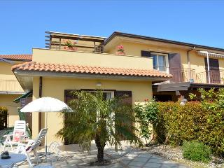 Villa Orchidea - Spacious home near the sea with pool - Riposto vacation rentals